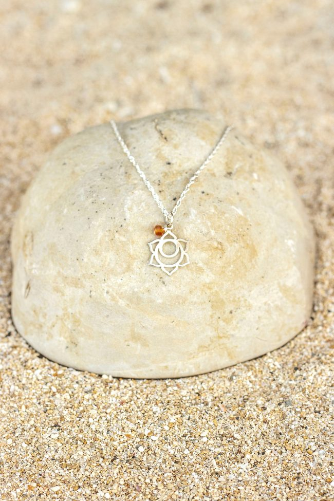 23202-silver-chakra2-carnelian